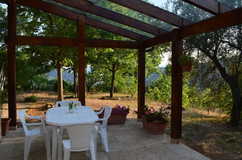 Porzione di villetta bifamiliare (Perugia), holiday rental in Colle Umberto I