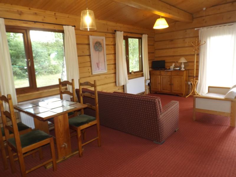 Sala espaciosa abierta / comedor