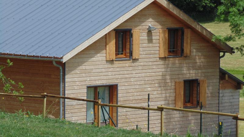 Chalet proche du Mont-Dore Sancy, holiday rental in Rochefort-Montagne