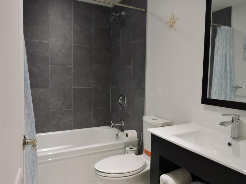 Second bathroom with deep tub