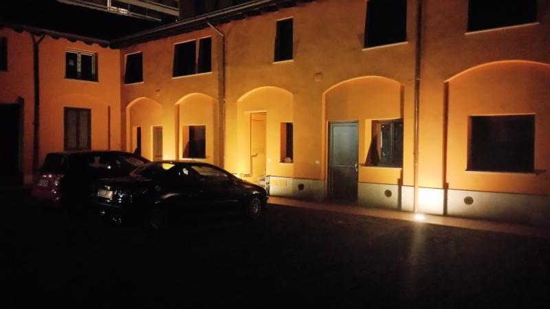 Vista notturna interno Corte Certosina