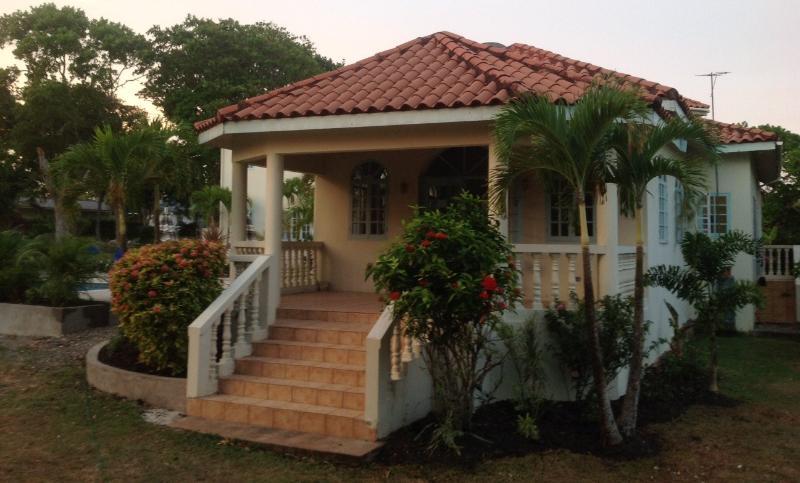 Sea Rose Villa Front porch.