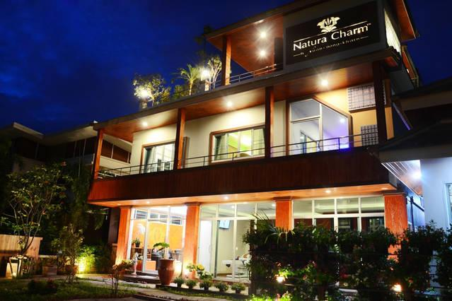 Chezlezkriz-Simply Luxury Penthouse, holiday rental in Chiang Mai