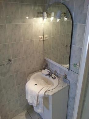 Studio shower room and wc
