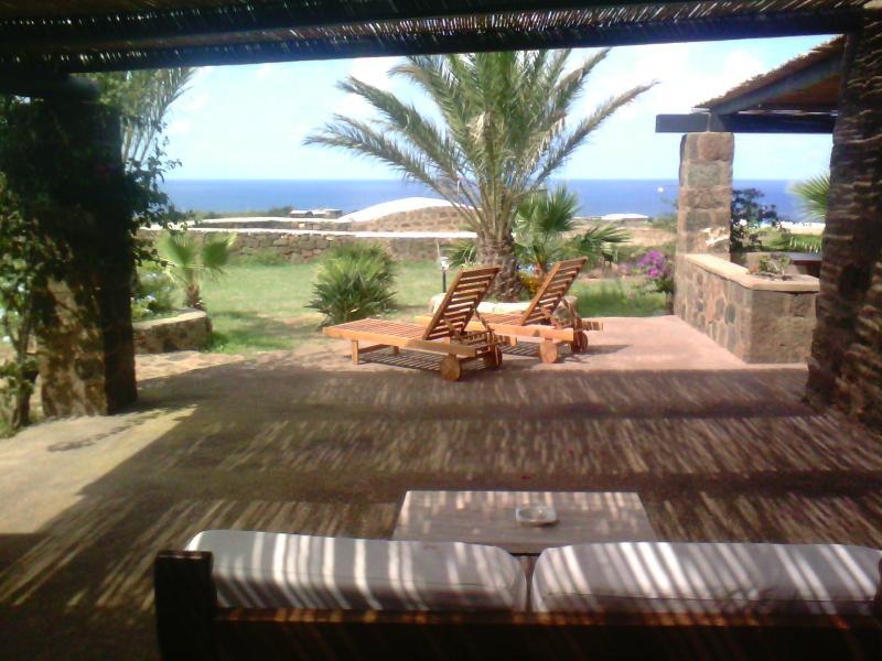 dammuso Tramonto, casa vacanza a Pantelleria