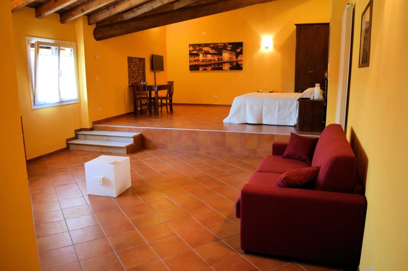 Corte Certosina Camera 12, holiday rental in Buccinasco
