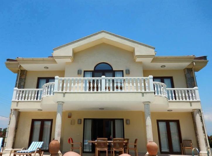 Villa Yaz front view