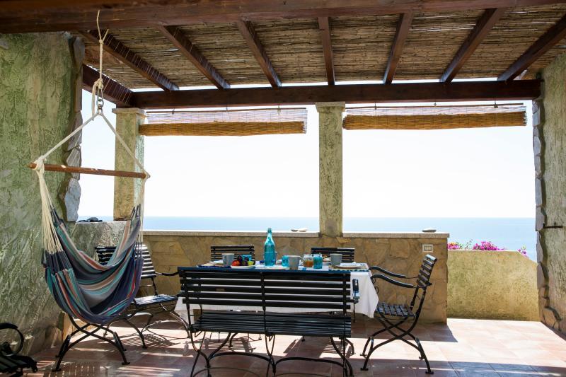 Stunning view villa South Sardinia, vacation rental in Villaputzu