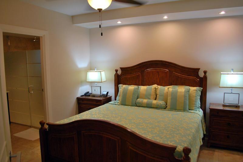 King Mater Bedroom Suite features an en-suite master bathroom