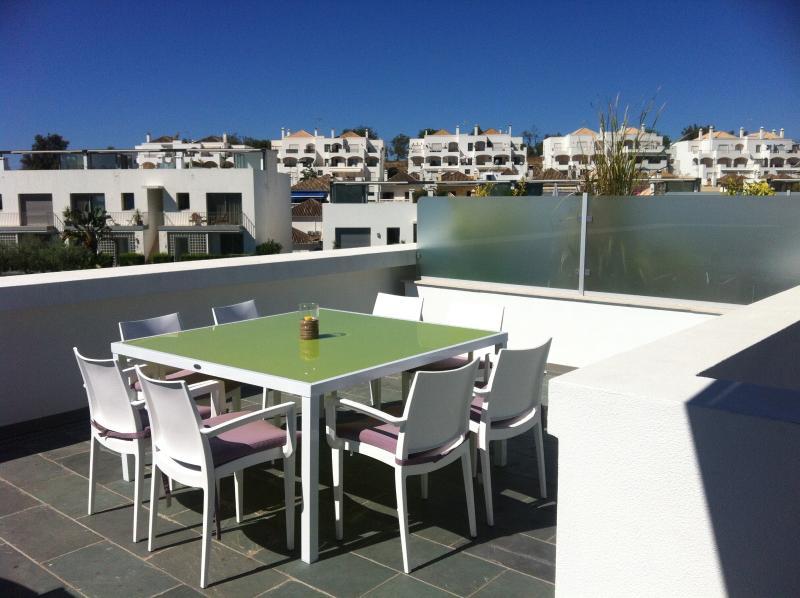 Terrace (poolside)