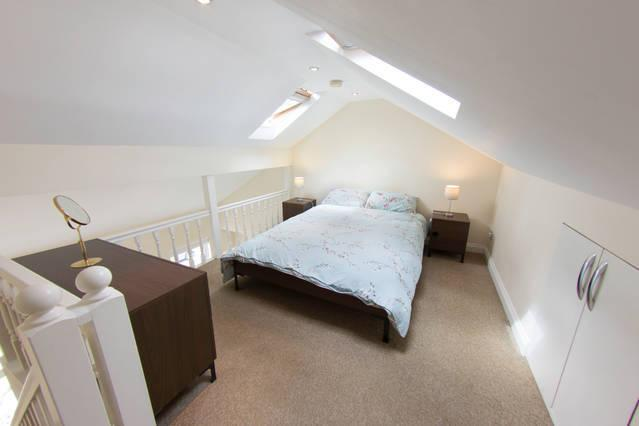 Whole house sleeps 12 in Tooting, vacation rental in Morden
