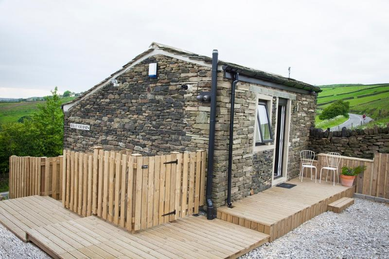 Belle Vue Barn Holiday Cottage in Rural West Yorkshire, Huddersfield., casa vacanza a Ripponden