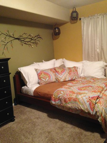 Cozy Room Plus Private Sunroom, close to beach!, vacation rental in Solana Beach