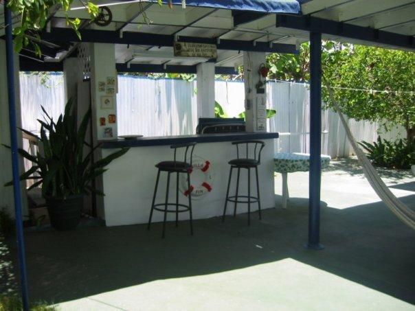 Wet-bar terrasse arrière.