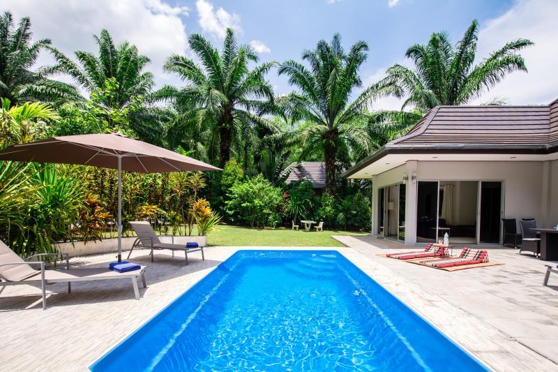 Eden Villas - Krabi - Luxury Private Pool Villa - Free Car - Mountain View Villa, holiday rental in Krabi Town