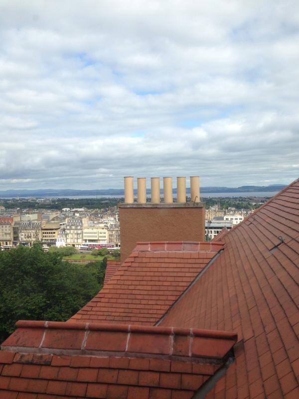Holiday Apartment overlooking Edinburgh Castle UPDATED ...