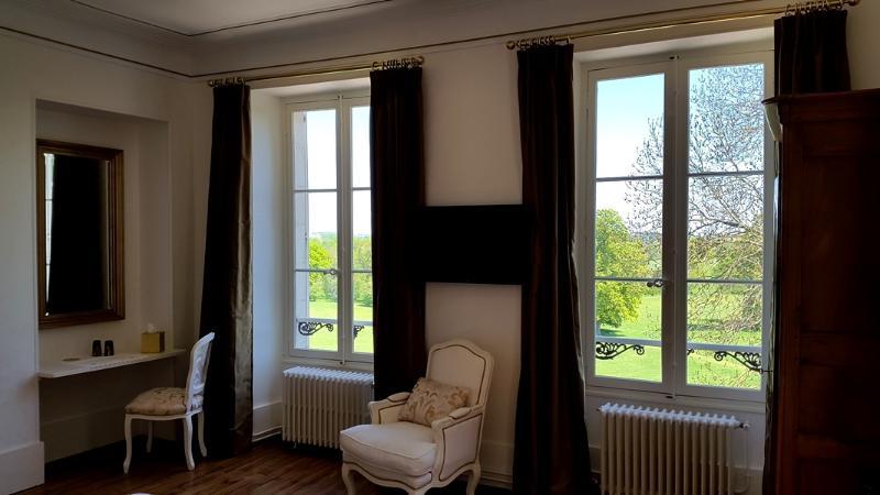 Château de Preuil - Orchids room, location de vacances à Saint-Pierre-les-Bois