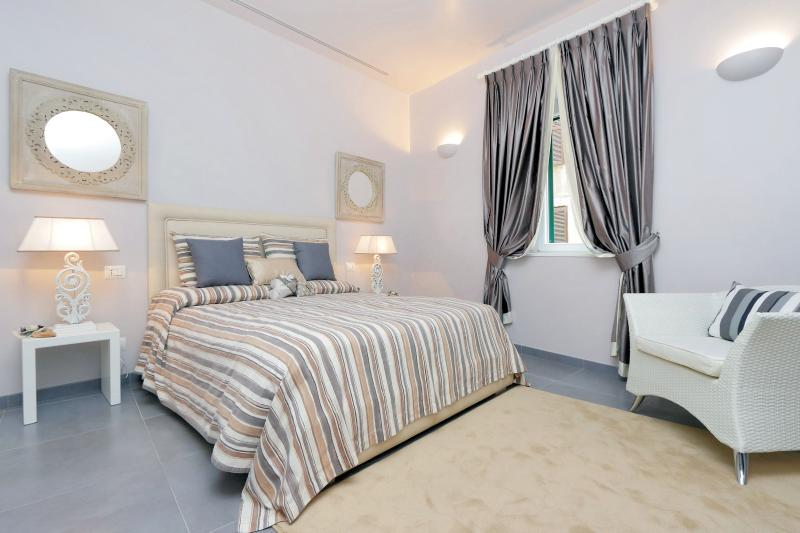 Residenza Romana Zucchelli - Suite Aurora, holiday rental in Rome