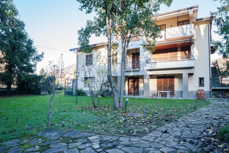 I Pioppi Mansarda 100m quadri in casa indipendente, holiday rental in La Verna