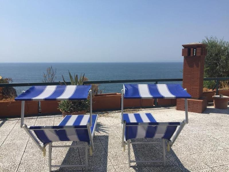 Sea-front villa Sorrento coast, holiday rental in Vico Equense