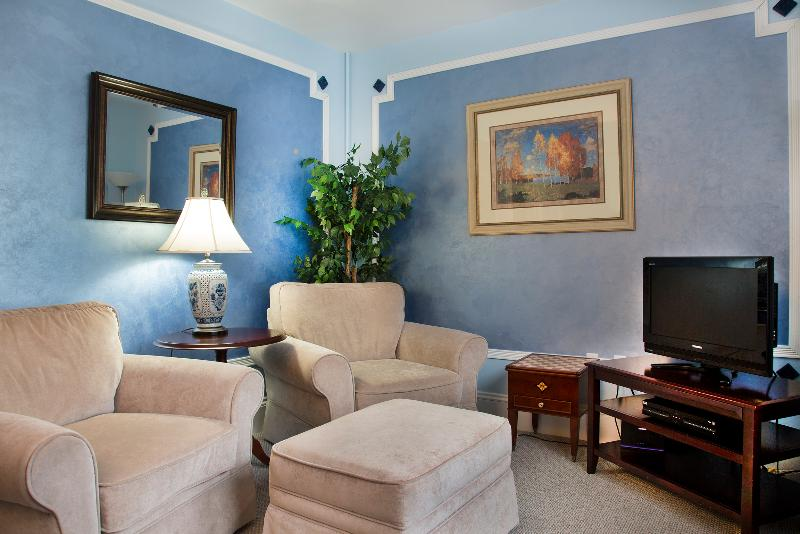 Glynn House Inn: Eisenhower Deluxe Suite, vacation rental in New Hampton