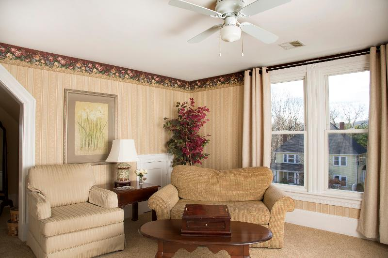 Glynn House Inn: Jefferson Deluxe Suite, vacation rental in New Hampton