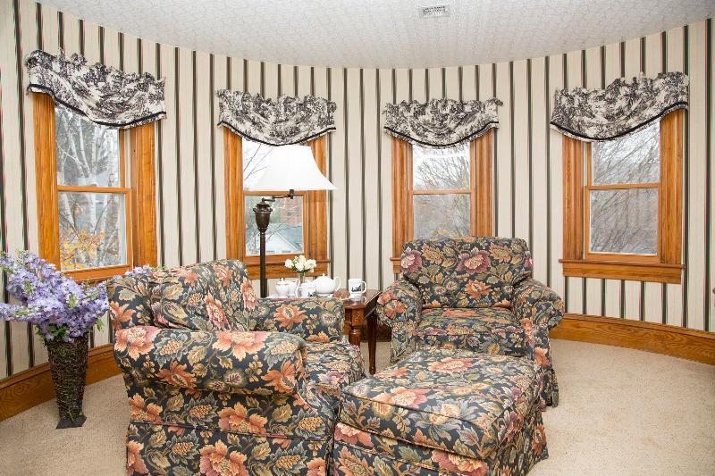 Glynn House Inn: Washington Deluxe Suite, vacation rental in New Hampton