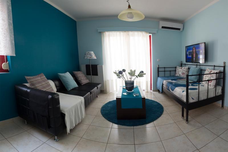 Flower Pot complex ''Hydrangea'', holiday rental in Mytikas