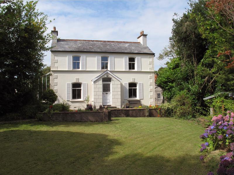 Cherry Tree Farmhouse, vacation rental in County Down