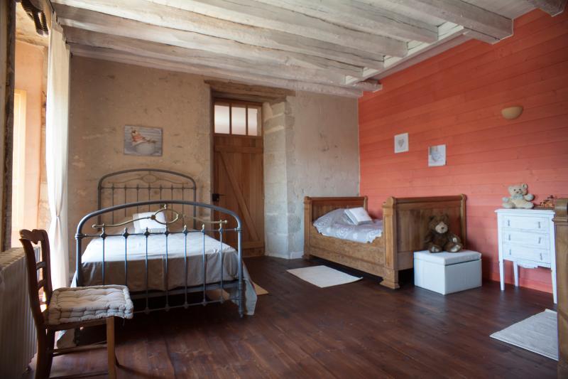 Logis de Riparfonds ' La Familiale', vacation rental in La Chapelle-Gaudin