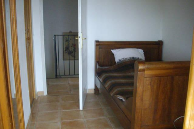 small upstairs bedroom with 130 cm single bed.