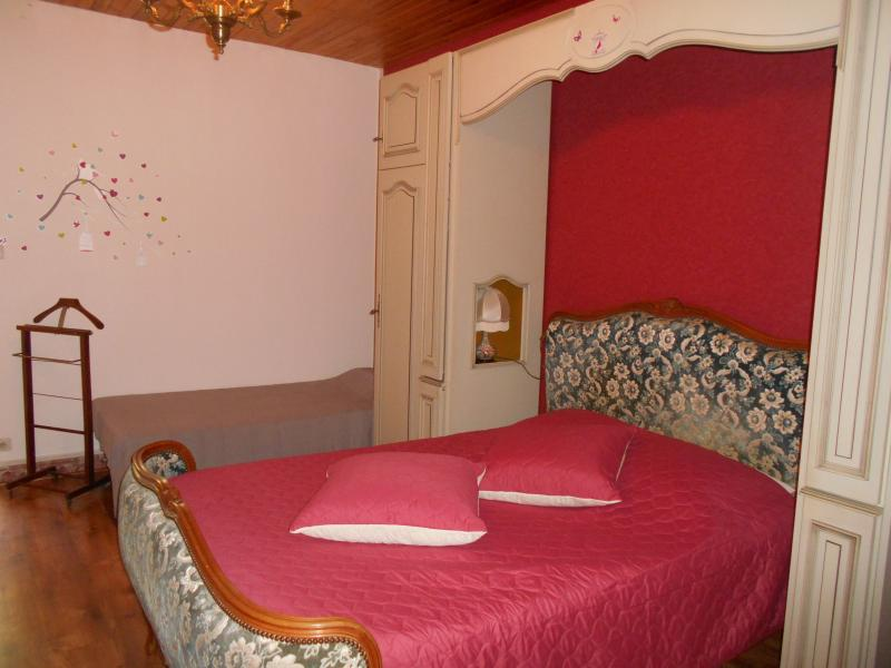 Louminai La chambre framboise, vacation rental in Viviers