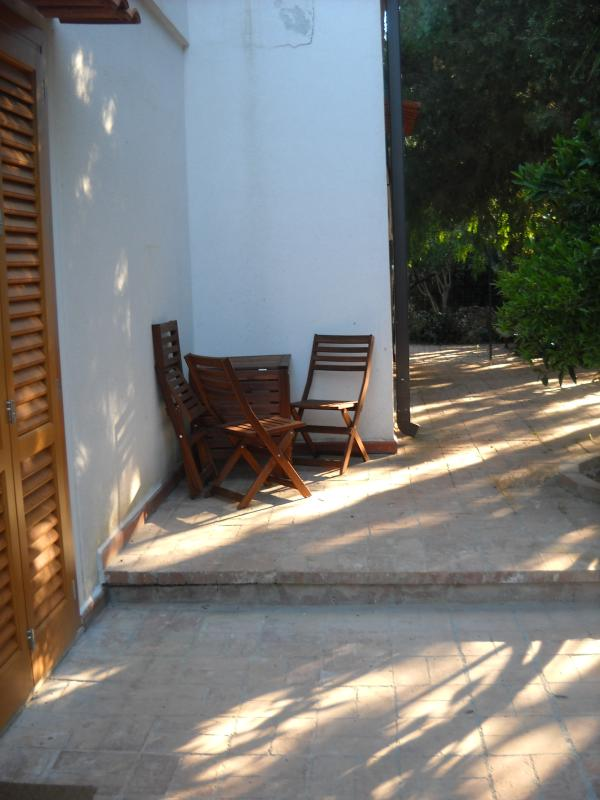 Outside breakfast table with 6 chairs