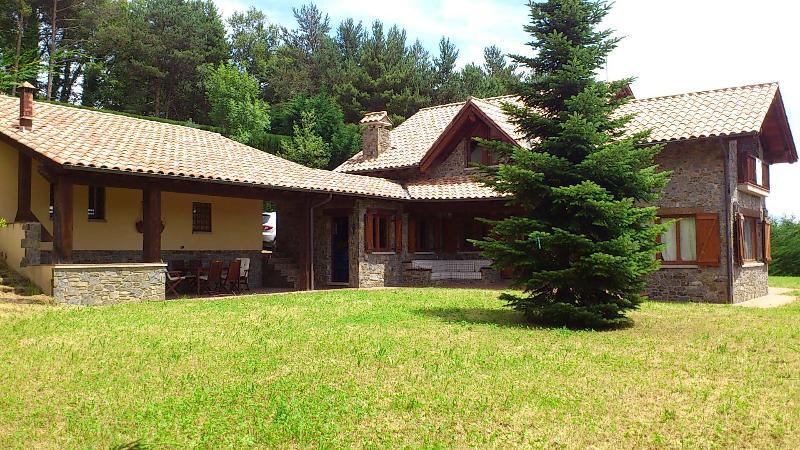 Encantadora Ca l'Avet Camprodon-Font Rubí 14 plazas, location de vacances à Les Preses