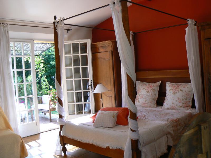 Les Contes, location de vacances à Grasse