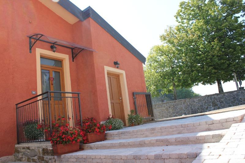 Casa Vacanze La Stele - Castelmonte, vacation rental in Stregna
