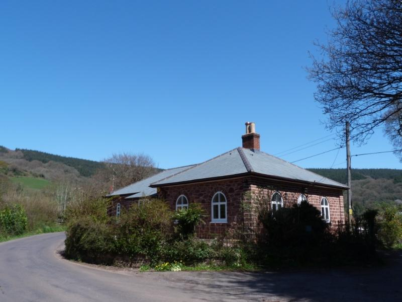 West Lodge, nr. Dunster - relax and explore beautiful nearby Exmoor