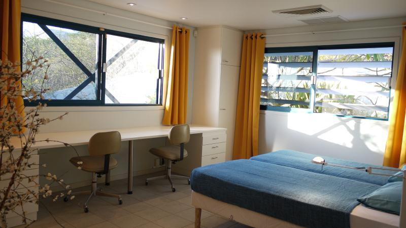 Dormitorio 2 con overhoeks vistas.