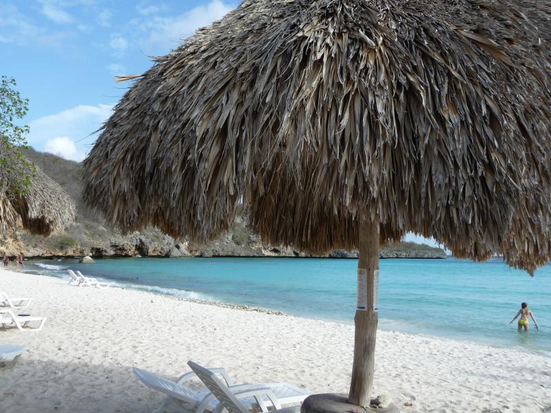 Het strand wordt door velen beschouwd als het fraaiste van Curacao.