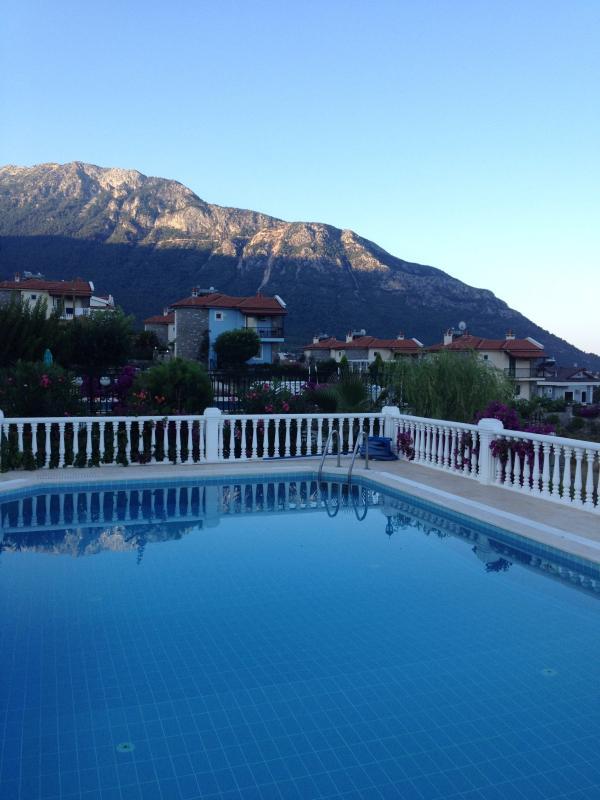 Villa con vista piscina