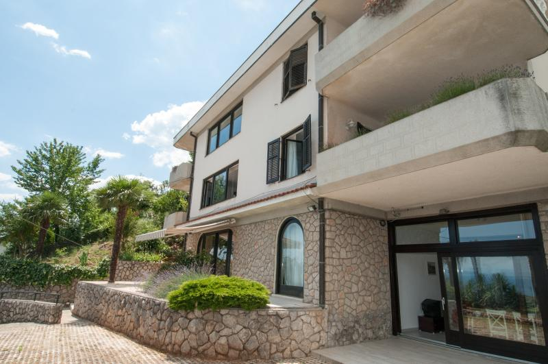 Small Oasis of Peace_P Included, vacation rental in Opatija