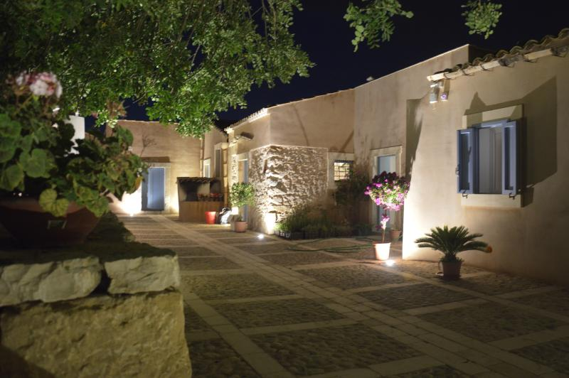 Terramater  Agriturismo, holiday rental in Noto