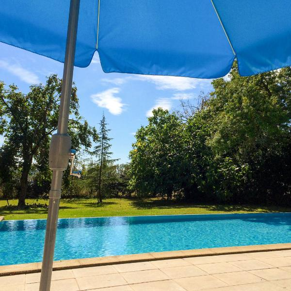 Le Trabet: LE LAURIER - luxurious gite in the countryside close to Carcassonne, vacation rental in Moussoulens
