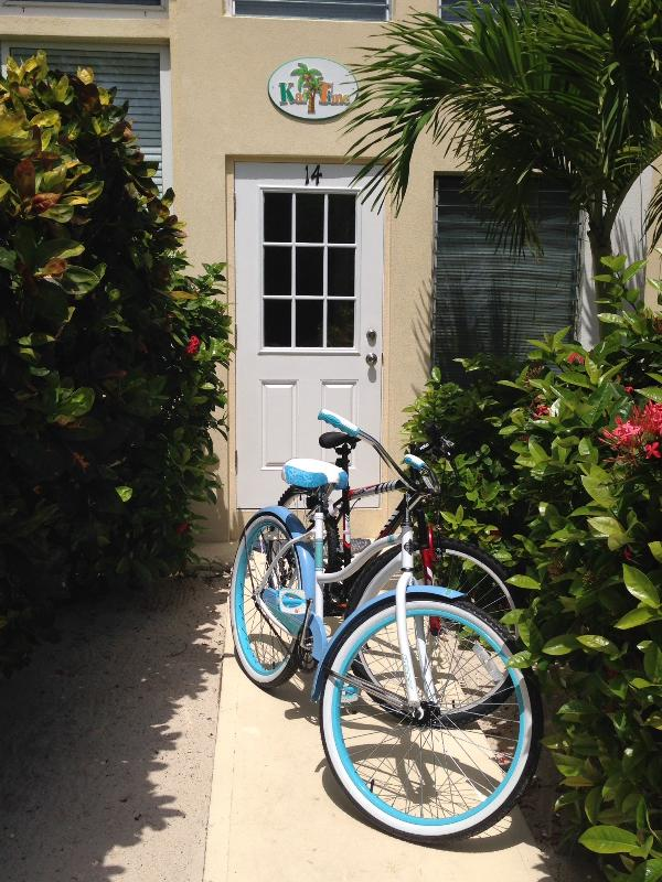 Bicycle down to Starfish Beach, then enjoy a mudslide with dinner at the popular Kaibo Wreck Bar