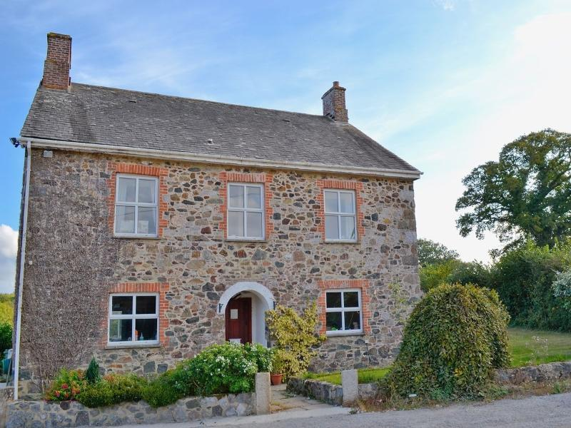 Dunley Farmhouse, holiday rental in Christow