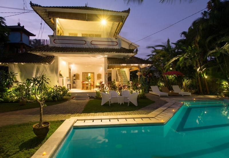 Romantic villa by night