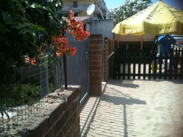 Giardino sul retro (sulla sabbia)