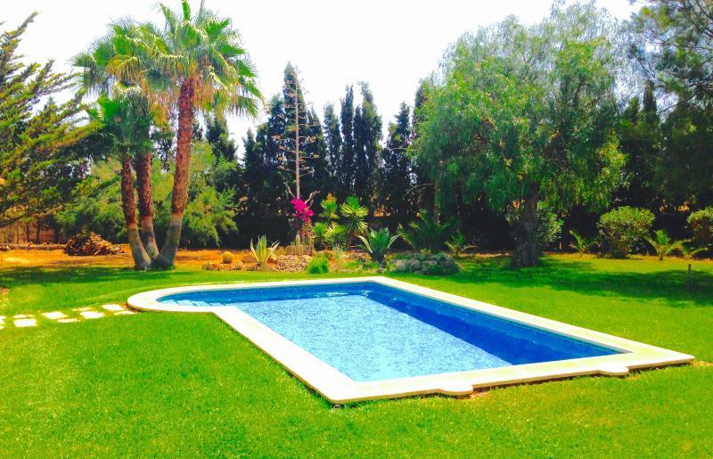 Villa privada con piscina Oasis de Es Trenc.Wifi., alquiler de vacaciones en Campos