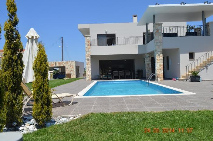 5 Bedroom Detached Luxury Villa Near Latchi, CY, aluguéis de temporada em Pano Arodhes