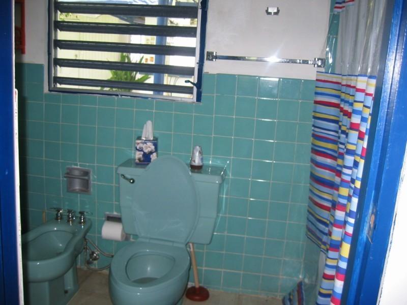 Salle de bains principale.